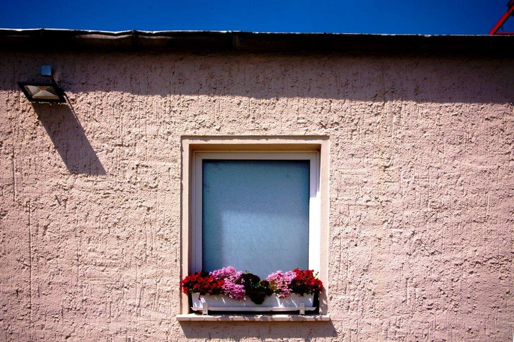 Hausbau und Recycling — Häuser aus PET-Flaschen, Dämmstoffe aus Glas
