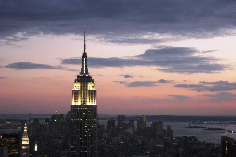 Empire State Building – ein (jetzt) grünes Stück New York